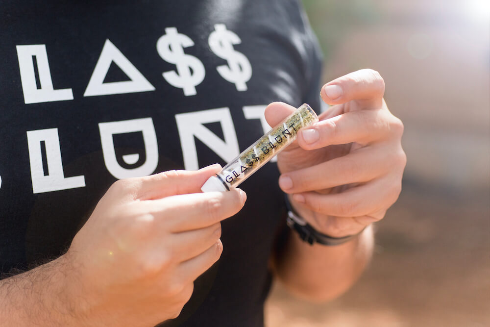 , Benefits of the Glass Blunt vs Rolling Paper, Glassblunt, Glassblunt