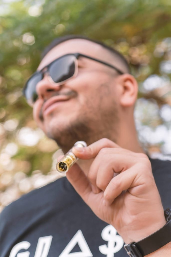 , Behind the blog of Glass Blunt Canada, Glassblunt Canada, Glassblunt Canada
